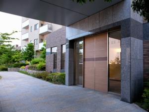 entrance-right.jpg